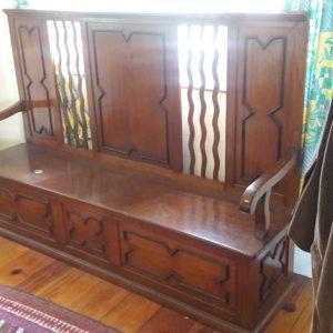 Jacobean Burma teak and ebony antique settle price 1300 euro.