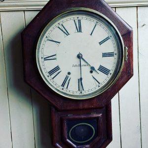 Regulator clock going only not striking price 160 euro