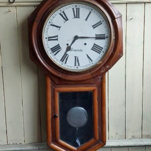 Seth Thomas clock 100 years old going only. Price 120 euro
