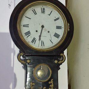 Seth Thomas clock 120 years old going and striking price 150 euro.jpg